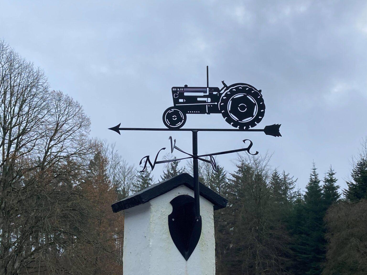 Traktor BUKH 554